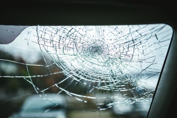 飛び石 フロント 修理 ガラス